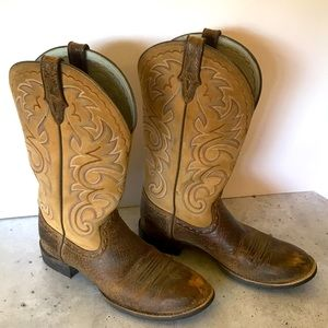 LAST CHANCE Ariat cowboy boots leather